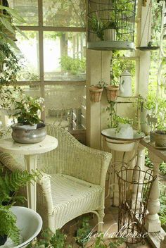 Cottage Garden Ideas to Create Perfect Spot A cottage garden's greatest appeal is that it seems to lack any conscious design. But even a cottage garden needs to be controlled. Some of the most successful cottage gardens start with a… Continue Reading → Outdoor Rooms, Outdoor Living, Outdoor Furniture Sets, Luxury Furniture, Sunroom Furniture, Furniture Market, Cottage Chic, Cottage Style, Cottage Porch