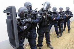 Special Forces News — GIGN with protective shield http://ift.tt/1KQ7U5H
