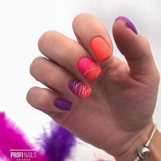 Gradient nails are one of the most popular manicure trends and they're definitely here to stay. They allow for tons of various color combos as well as nail designs and styles. Check out our guide for a dose of inspo. Gradient Nails, Gradient Nail Design, Fall Gel Nails, Fall Nail Art, Uv Gel Nails, Galaxy Nails, Gel Manicure, Acrylic Nails, French Nail Designs