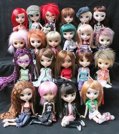 Pullips...SISTERS...:)
