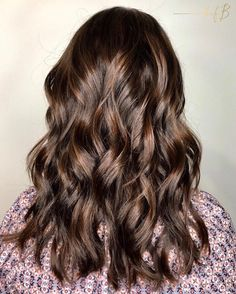 """1,140 Likes, 13 Comments - The Business of Balayage™ (@thebusinessofbalayage) on Instagram: """"Babylights + Balayage by our amazing educator @flirtwithjoy and finished with a Textured Lob """""""