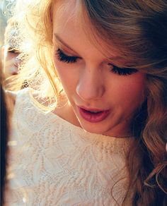 Taylor Swift is a beauty! Love her so so so much!