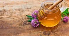 Υγεία - Με αρκετούς απλούς τρόπους μπορούμε να ξεχωρίσουμε το καλό μέλι. Η κρυστάλλωση του μελιού, δηλαδή το ζαχάρωμα όπως συνηθίζουμε να το λέμε, συμβαίνει λόγω τ