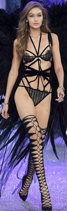 Gigi Hadid 2016 Victoria Secret Fashion Show
