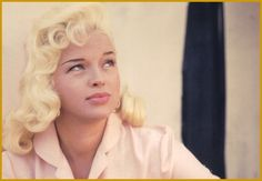 Picture of Diana Dors Old Hollywood Glamour, Golden Age Of Hollywood, Classic Hollywood, Hollywood Star, Diana Dors, Star Wars, Diane Lane, Tape In Hair Extensions, Norma Jeane