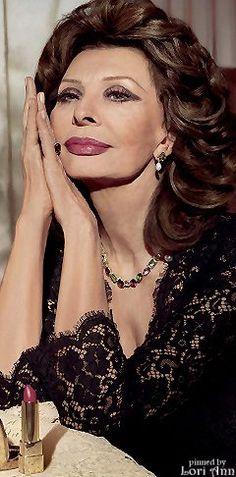Sophia Loren N°1 Lipstick by Dolce & Gabbanais it #CrueltyFree = #NotTestedOnAnimals?✔ http://www.LeapingBunny.org & https://www.PETA.org