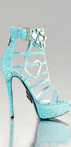 <3  I dkn't usually pin apparel to this board but, c'Mon these shoes are…