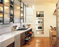 Sergio與Suzanne Feld家: 簡潔又充滿工業美學的廚房