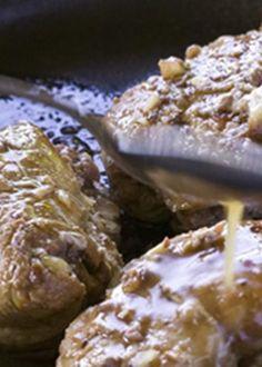 Tornedó de porco com recheio de ameixas e castanhas e espuma de ameixa