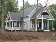 South Haven Cottage Rental: New! Pottery Barn-like Charm! 3 Porches-lake Mi Views-perfect For Families | HomeAway