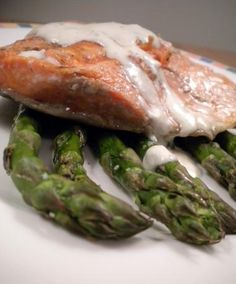 South Beach Salmon With Creamy Lemon Sauce Low Carb. Photo by Diet It Up