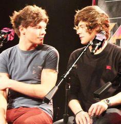 Louis & Harry... classic Larry