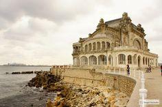Rumunia Jest Piękna! 5 Najpiękniejszych I Najciekawszych Miast Louvre, Mansions, House Styles, Building, Places, Travel, Art, Art Background, Viajes
