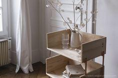 [ DIY ]Un meuble minimal et élégant en bois - La Délicate Parenthèse | DIY déco et inspiration déco Minimalist Bedroom, Decoration, Nightstand, Room Decor, Interior Design, Impatience, Dire, Voici, Furniture