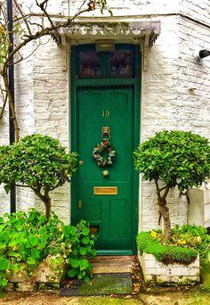 The Latest Front Door Ideas That Add Curb Appeal, Value to Y.- The Latest Front Door Ideas That Add Curb Appeal, Value to Your Home London, England - Cool Doors, Unique Doors, Portal, Entrance Doors, Doorway, Front Doors, Door Knockers, Door Knobs, Porches