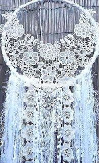 Weddiing Wreath Hobbies And Crafts, Diy And Crafts, Kids Crafts, Doily Dream Catchers, Large Dream Catcher, Boho Chic, Shabby Chic, Creation Deco, Ideias Diy