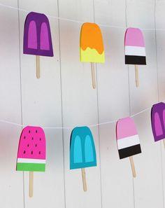 Te proponemos un montón de ideas DIY para una fiesta veraniega. Desde los cubiertos hasta los vasos pasando por el aire, con chulísimas guirnaldas...