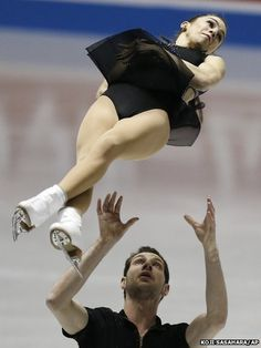 Marissa Castelli and Simon Shnapir of the United States perform during the ISU World Team Trophy in Figure Skating