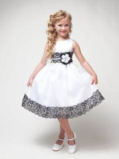 White Dress w/ Flower & Black Lace Detailing - Βαφτιστικό φόρεμα - Gowns For Girls, Dresses Kids Girl, Kids Outfits, White Flower Girl Dresses, White Dress, Dress Black, Kids Frocks Design, Frock Design, Baby Dress