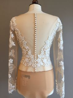 How To Find The Perfect Wedding Lingerie For Your Dress Wedding Dress Topper, Sexy Wedding Dresses, Wedding Dress Sleeves, Designer Wedding Dresses, Bridal Tops, Bridal Lace, Bridal Bra, Wedding Bodysuit, Lace Bodysuit