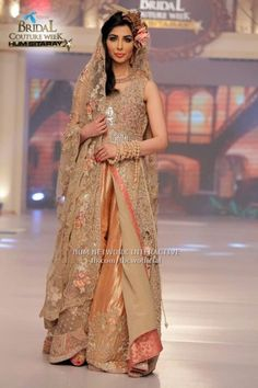 Image from http://styleinpk.com/wp-content/uploads/2015/06/Fozia-Hammad-Bridal-Collection-Telenor-Bridal-Couture-Week-2015-8.jpg.