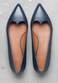 I love the elongated heart shape of these ballet flats! Leather Ballerinas from & Other Stories Cute Flats, Cute Shoes, Me Too Shoes, Pretty Shoes, Beautiful Shoes, Christian Louboutin, Louboutin Pumps, Mocassins, Winter Mode