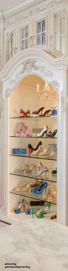 Walk in wardrobe #Luxurydotcom