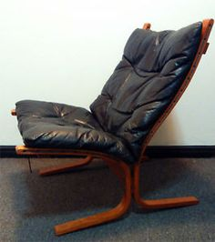 VINTAGE / MID CENUTRY WESTNOFA SIESTA LOUNGE CHAIR   MADE IN NORWAY   BLACK  LEATHER,