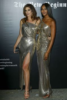 #CindyCrawford, #Fashion Cindy Crawford – Versace Show at the Milan Fashion Week 09/22/2017 | Celebrity Uncensored! Read more: http://celxxx.com/2017/09/cindy-crawford-versace-show-at-the-milan-fashion-week-09222017/