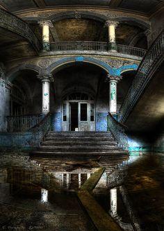 abandoned house ...