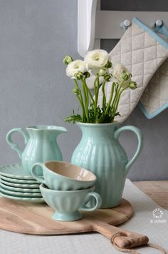 Mynte Stoneware by Ib Laursen in Mint Green.