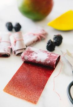 I had a childhood obsession with fruit leather.it was my favorite snack ever! And when I say fruit leather I mean fruit roll ups, the content of which I don't even like to think about. (health snacks fruit roll ups) Mango Fruit, Fresh Fruit, Dried Fruit, Fruit Leather Recipe, Smoothies, Fruit Roll Ups, Think Food, Healthy Snacks, Fruit Snacks