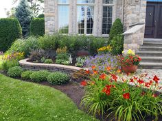 Designing Front Yard Landscapes: Try These Suggestions – My Best Rock Landscaping Ideas Front Porch Landscape, Small Front Yard Landscaping, Front Yard Design, Home Landscaping, House Landscape, Garden Landscape Design, Landscaping With Rocks, Sloped Front Yard, Front Yards