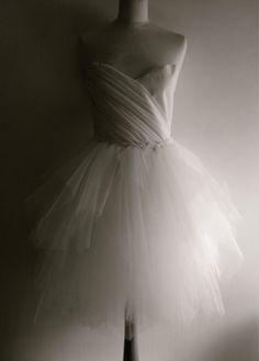 bodice is full of foldings made from soft chiffon Tulle Skirt Wedding Dress, Dress Up, Dressed To Kill, Designer Wedding Dresses, Classic Looks, One Shoulder Wedding Dress, Cool Photos, Bodice, Chiffon