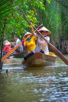 Traffic in the Mekong Delta, My Tho, Vietnam (by Gedsman). - See more at: http://visitheworld.tumblr.com/#sthash.6jkx93Ev.dpuf