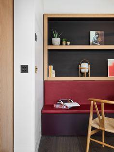 Built-in shelves in wood - black & red - Valentine Bärg Architectures Lake Geneva, Built In Shelves, The Expanse, Pavilion, Bookcase, Architecture, Building, Wood, Black