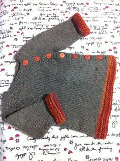 Child Knitting Patterns Ravelry: Puerperium Cardigan sample by Kelly Brooker. Free obtain Baby Knitting Patterns Ravelry: Puerperium Cardigan pattern by Kelly Brooker. I need to remember I can do pretty edges like that! Baby Sweater Patterns, Knit Baby Sweaters, Knitted Baby Clothes, Cardigan Pattern, Baby Knitting Patterns, Baby Patterns, Baby Knits, Shawl Patterns, Stitch Patterns