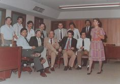 BANCO DE OCCIDENTE CASA PRINCIPAL. Entre otros FRANCISCO JAVIER VELASCO VÉLEZ. — con MANUEL LLANO., FRANCISCO JAVIER VELASCO VÉLEZ, GILBERTO HENAO., ARMANDO GUTIERREZ., EDUARDO VELASQUEZ. y DARIO ECHEVERRI ESCRUCERIA..