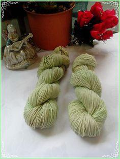 100% Merino Sockenwolle - Grüntöne 100g von Atelier van der Valk auf DaWanda.com