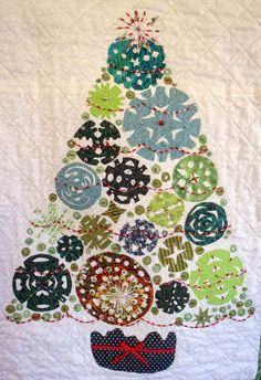 Scherenschnitte (paper cut) Christmas tree wall quilt by Kerren Ogg | Dalmeny Quilters
