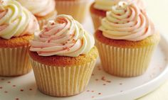 Mary Berry Special Part Two: Vanilla cupcakes with swirly icing