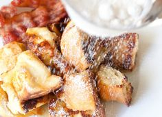 I love this French Toast Puff recipe. They're a great addition to the weekend! I love this French Toast Puff recipe. They're a great addition to the weekend! Breakfast Desayunos, Breakfast Dishes, Breakfast Recipes, Breakfast Healthy, Breakfast Sandwiches, Breakfast Ideas, Dinner Recipes, Food Porn, Little Lunch