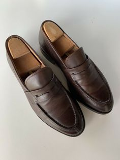 CHURCH'S Penny LOAFERS Darwin Dark BROWN UK 9  27.5 cm 43 EUR Leder Penny Loafers, Loafers Men, Men Dress, Dress Shoes, Ankle Boots, Trainer, Darwin, Sport, Good Looking Men