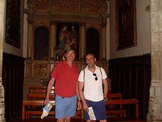 Estos dos madrileños estuvieron encantados de visitar la Iglesia de El Salvador
