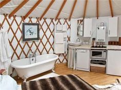 The Lakeside Yurt - A unique Gloucestershire holiday home! A 16 foot round modern yurt, on the edge of the village of Beckford. Use of hot tub. Yurt Living, Tiny Living, Living Spaces, Pacific Yurts, Cob House Plans, Yurt Interior, Interior Ideas, Yurt Home, Great Buildings And Structures