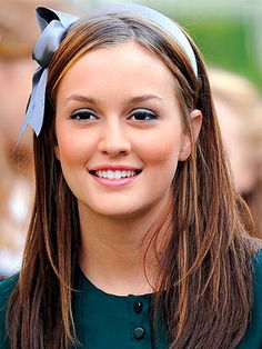 going back to brunette from strawberry blonde. Blaire Waldorf has great style and I love all her headbands!
