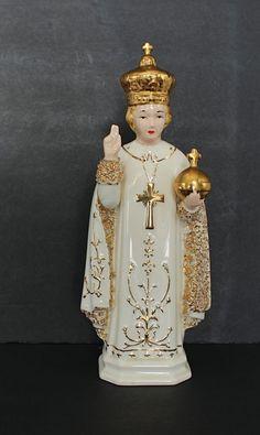 Vintage Infant Jesus of Prague Ceramic Statue Gold Child Nino Praga Catholic Infant Of Prague, Baby Jesus, Catholic, Objects, Princess Zelda, Christian, Statue, Ceramics, Christmas Ornaments
