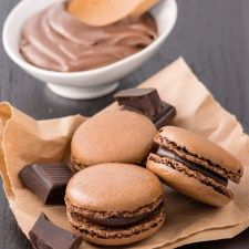 Macarons al cioccolato Bakery Cakes, Cookie Bars, Smoothies, Muffin, Bread, Cookies, Chocolate, Baking, Breakfast