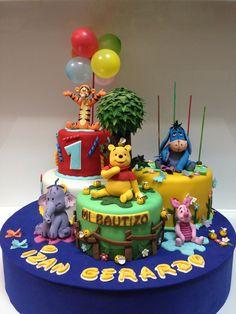 Composición de Tartas Winnie de Pooh y sus amigos.