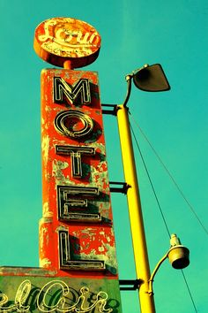 I'm obsessed with old Motel and Bowling Alley signs.